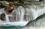 四万川の流れ