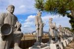 赤穂義士の石像
